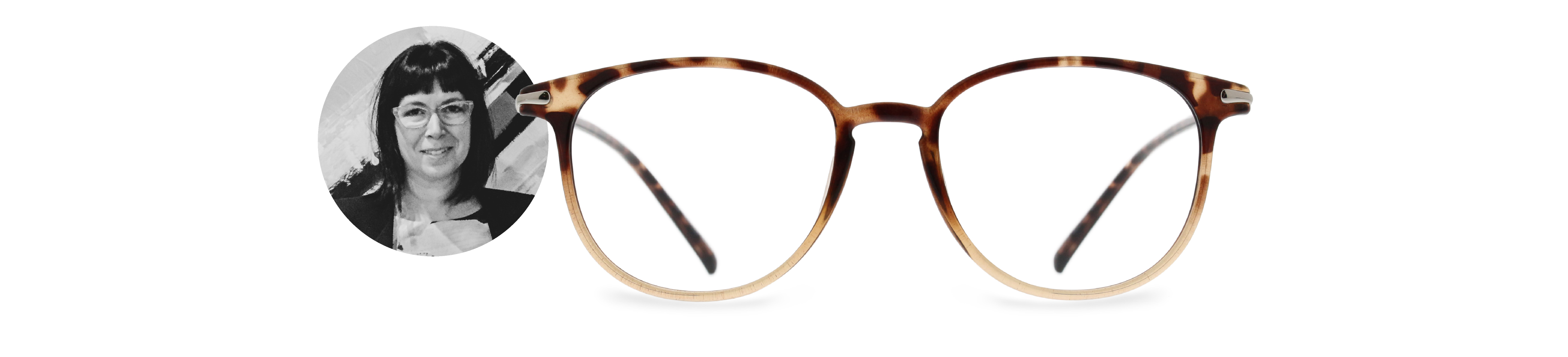 Genevieve Laporte, optician and manager at IRIS Baie-St-Paul and her pick ESPRIT 17104